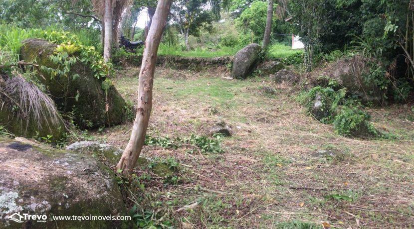 Lindo-terreno-de-costeira-a-venda-em-Ilhabela26