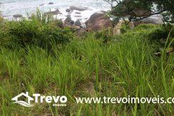 Lindo-terreno-de-costeira-a-venda-em-Ilhabela5