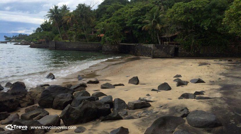 casa-a-venda-em-Ilhabela-pé-na-areia1