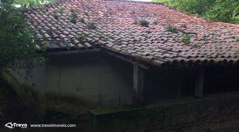 casa-a-venda-em-Ilhabela-pé-na-areia10