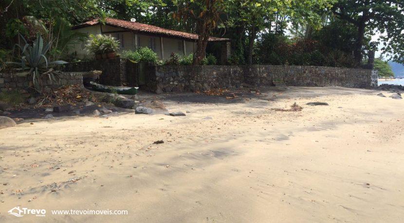 casa-a-venda-em-Ilhabela-pé-na-areia11