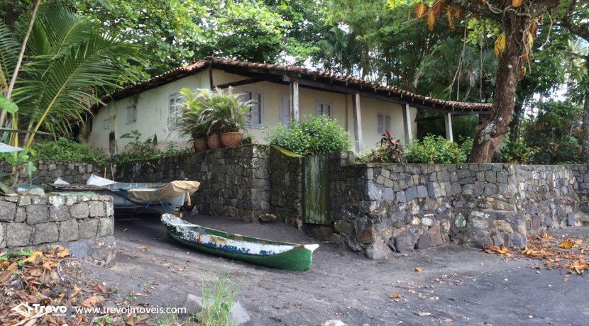 casa-a-venda-em-Ilhabela-pé-na-areia12