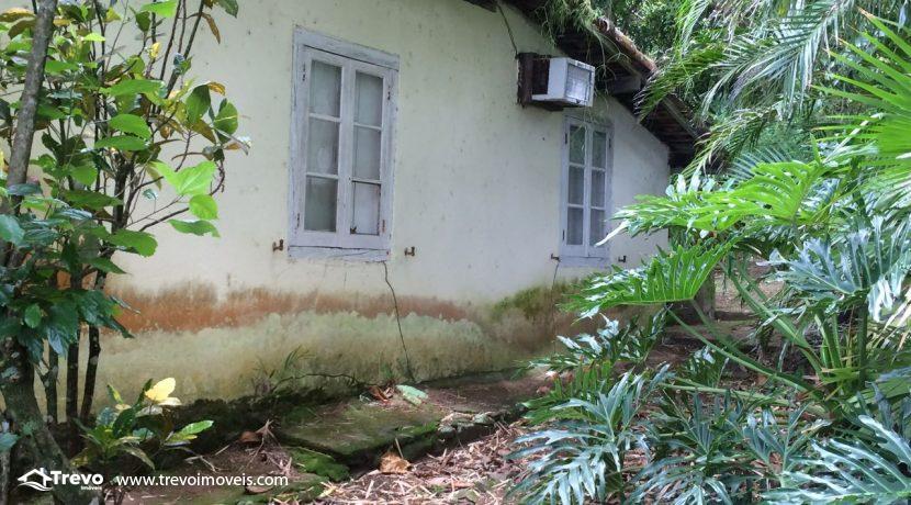 casa-a-venda-em-Ilhabela-pé-na-areia17