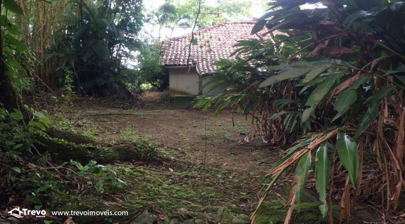 casa-a-venda-em-Ilhabela-pé-na-areia40