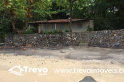 casa-a-venda-em-Ilhabela-pé-na-areia5