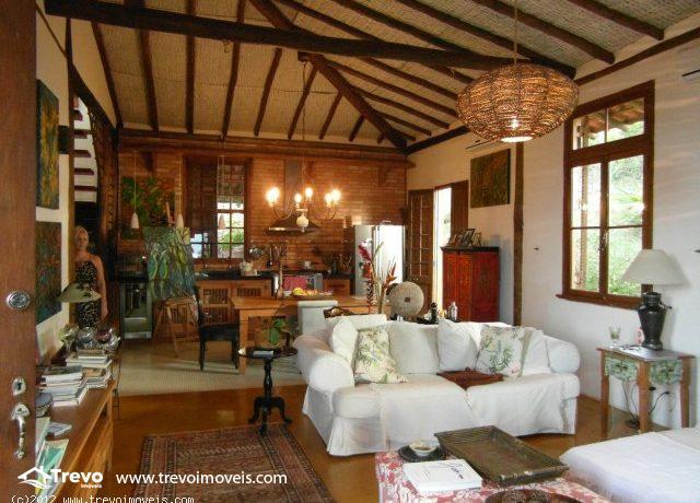 Casa-Rustica-a-venda-em-Ilhabela11