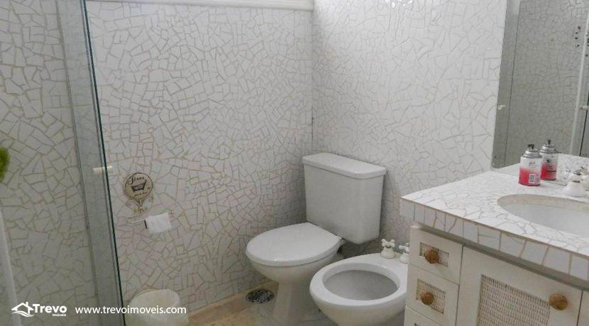 Casa-a-venda-em-Ilhabela-com-acesso-ao-mar-praia-e-costeira12