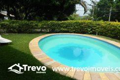 Casa-a-venda-em-Ilhabela-com-acesso-ao-mar-praia-e-costeira15