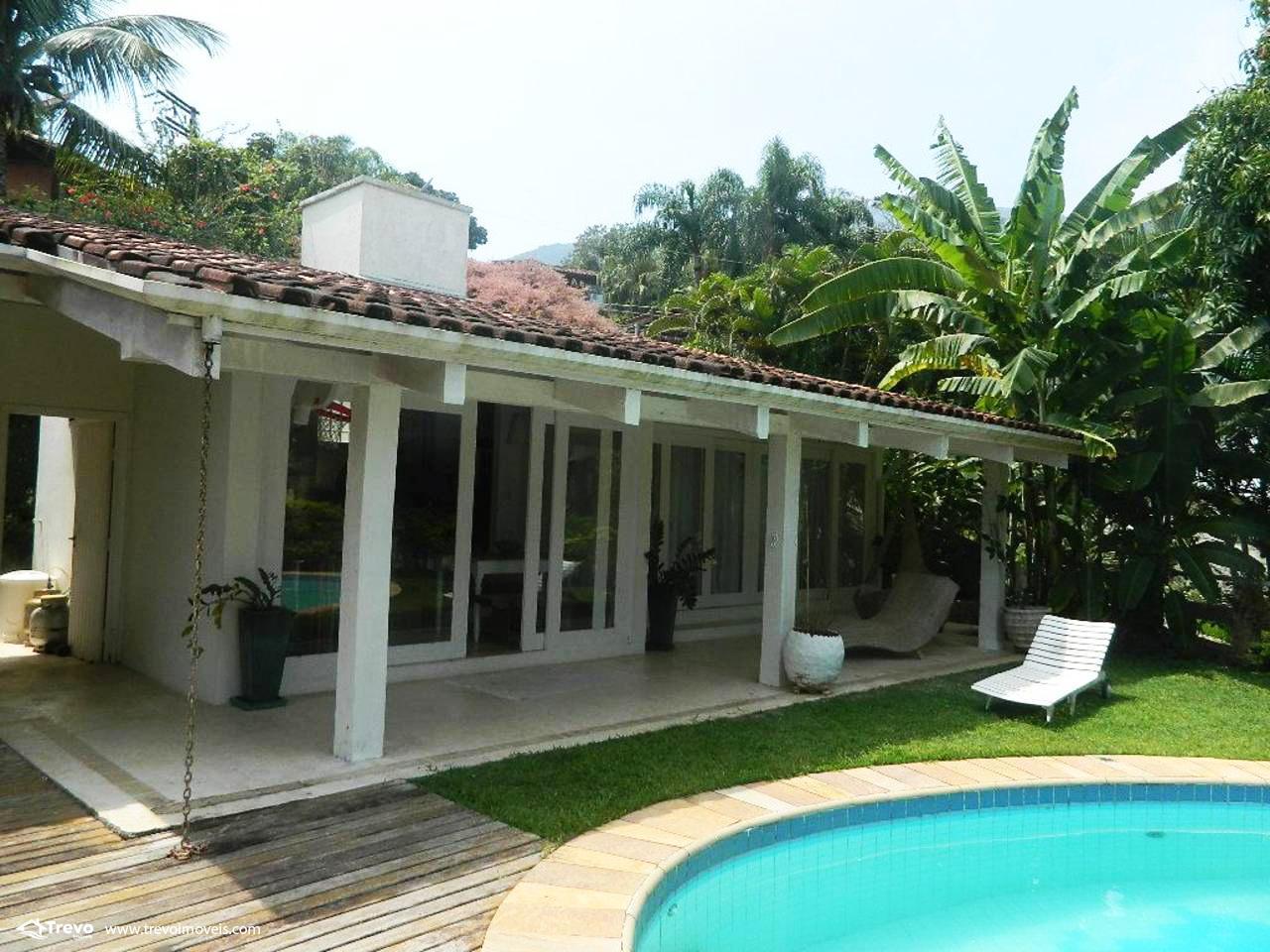 Casa a venda em Ilhabela com acesso ao mar praia e costeira