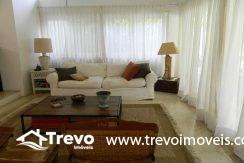 Casa-a-venda-em-Ilhabela-com-acesso-ao-mar-praia-e-costeira6