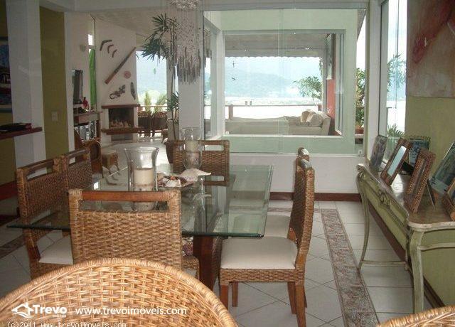 Casa-a-venda-em Ilhabela-em-condomínio-fechado3