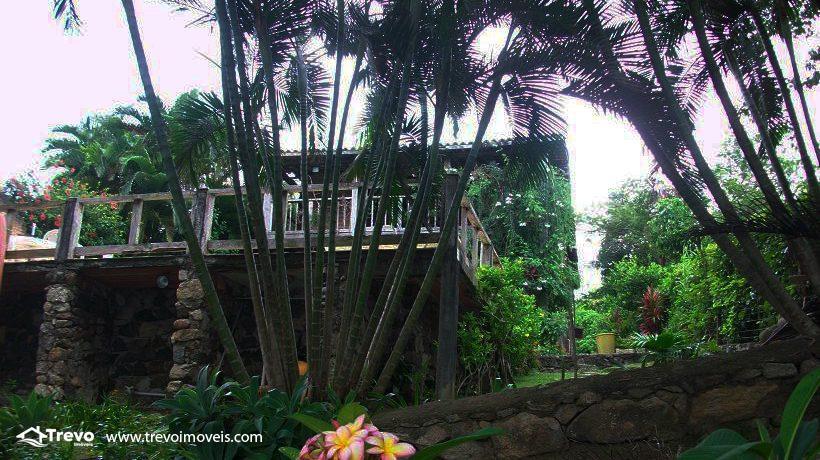 Casa-a-venda-em-Ilhabela-na-costeira