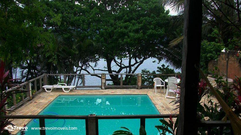 Casa-a-venda-em-Ilhabela-na-costeira1