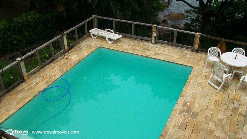 Casa-a-venda-em-Ilhabela-na-costeira2