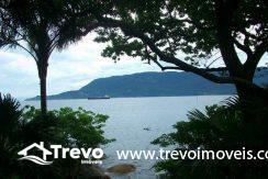 Casa-a-venda-em-Ilhabela-na-costeira5