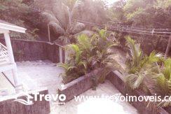 Casa-a-venda-em-condomínio-fechado-junto-a-cachoeira-em-ilhabela10