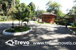 Casa-a-venda-em-condomínio-fechado-junto-a-cachoeira-em-ilhabela14