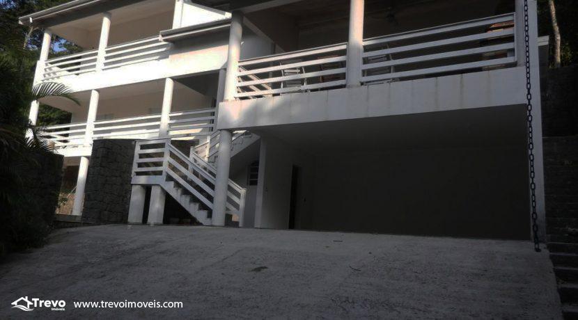 Casa-a-venda-em-condomínio-fechado-junto-a-cachoeira-em-ilhabela15