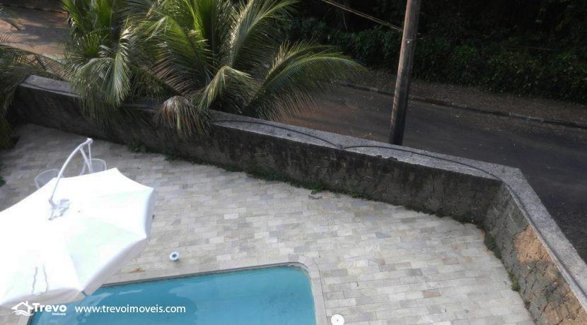 Casa-a-venda-em-condomínio-fechado-junto-a-cachoeira-em-ilhabela8