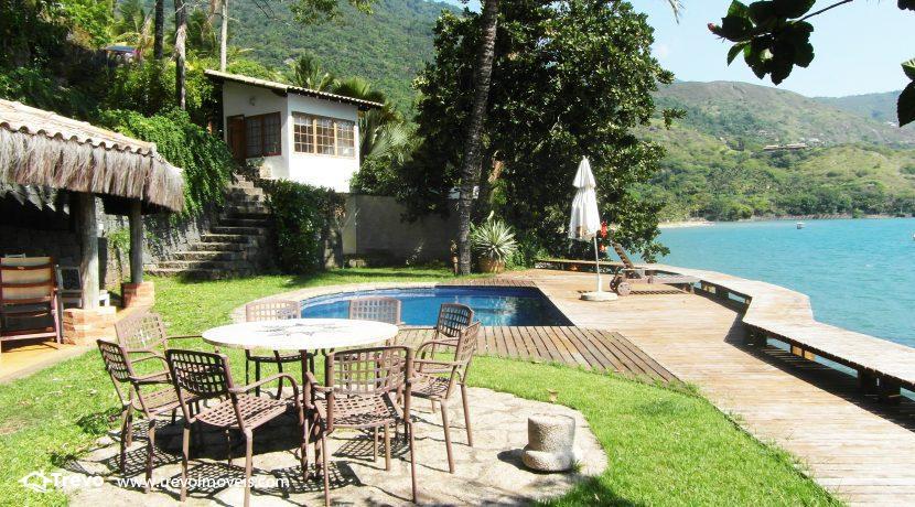 Casa-a-venda-na-costeira-em-Ilhabela1