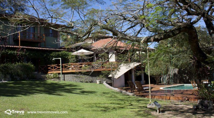 Linda-casa-a-venda-em-Ilhabela-perto-da-praia11