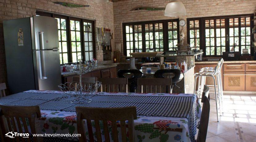 Linda-casa-a-venda-em-Ilhabela-perto-da-praia12
