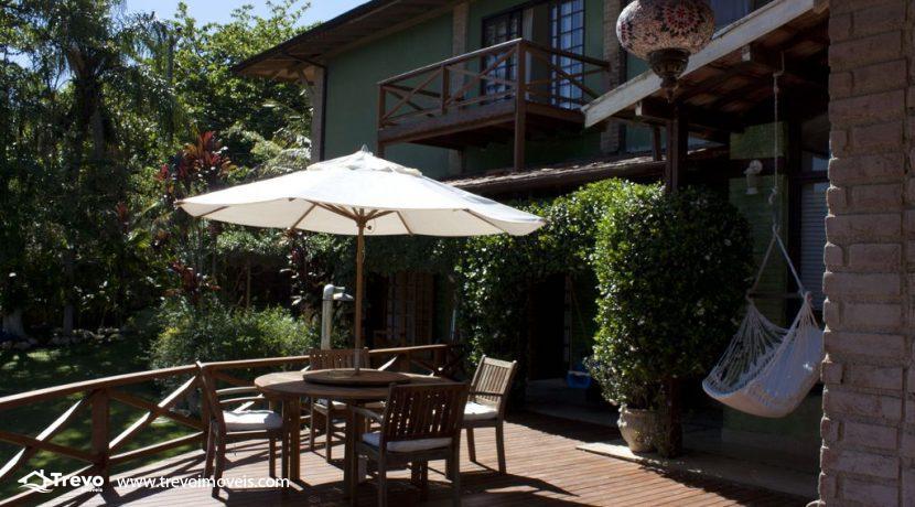 Linda-casa-a-venda-em-Ilhabela-perto-da-praia17