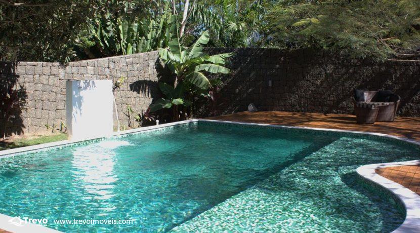Linda-casa-a-venda-em-Ilhabela-perto-da-praia24