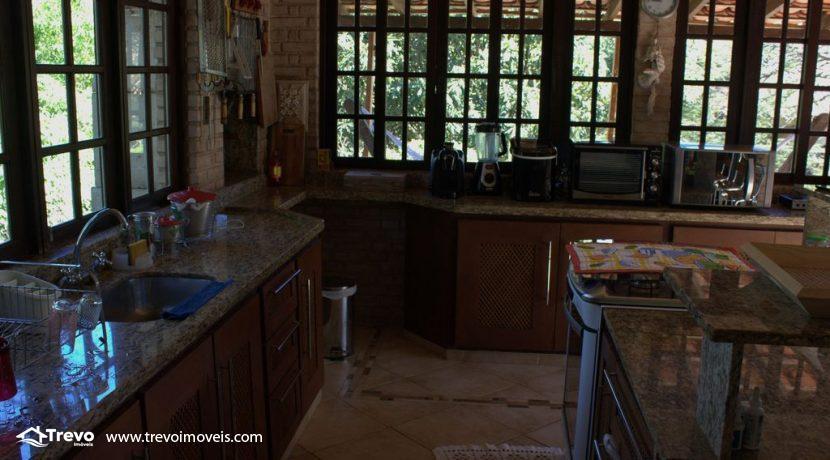 Linda-casa-a-venda-em-Ilhabela-perto-da-praia29