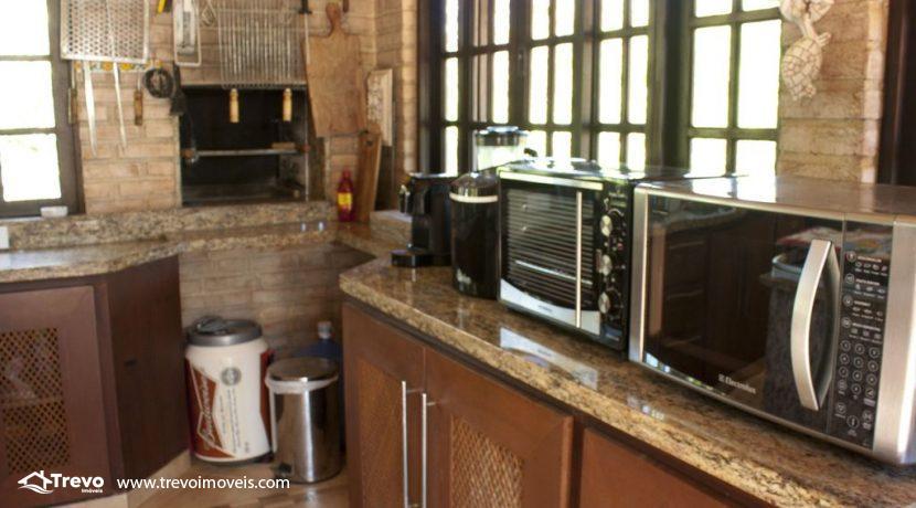 Linda-casa-a-venda-em-Ilhabela-perto-da-praia35