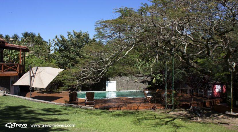 Linda-casa-a-venda-em-Ilhabela-perto-da-praia38
