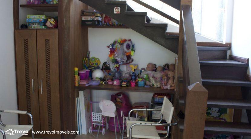 Linda-casa-a-venda-em-Ilhabela-perto-da-praia42