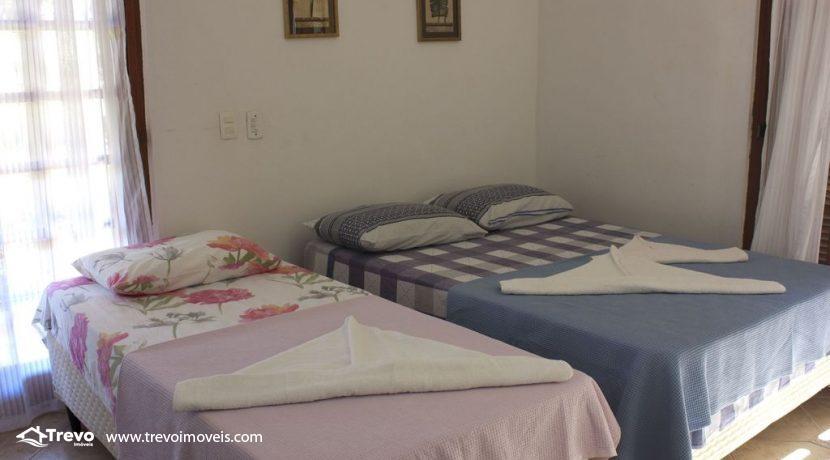 Linda-casa-a-venda-em-Ilhabela-perto-da-praia47