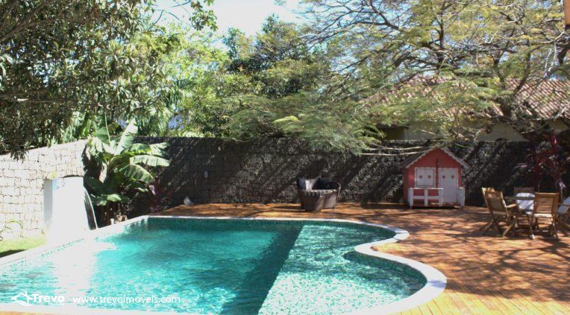 Linda-casa-a-venda-em-Ilhabela-perto-da-praia6