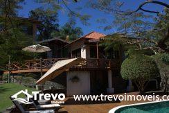 Linda-casa-a-venda-em-Ilhabela-perto-da-praia7