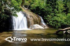 cachoeira-dos-tres-tombos-ilhabela-guilherme-andrade