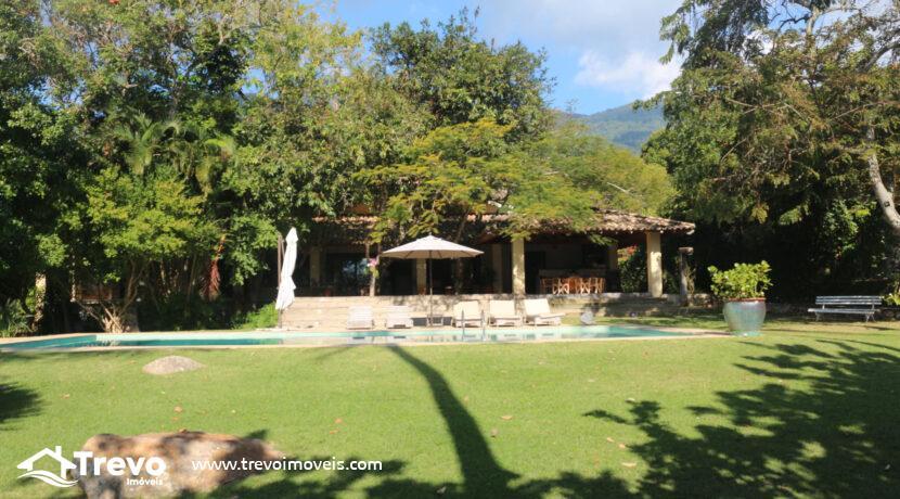 Casa-a-venda-em-Ilhabela-na-costeira-com-pier10