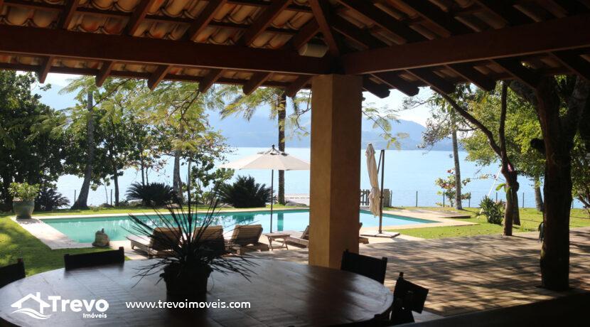 Casa-a-venda-em-Ilhabela-na-costeira-com-pier20