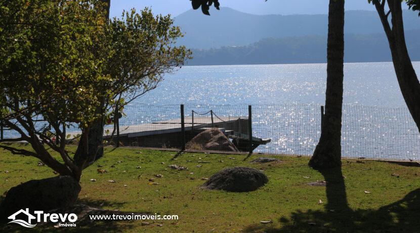 Casa-a-venda-em-Ilhabela-na-costeira-com-pier29