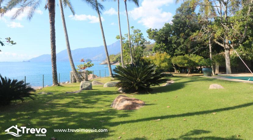 Casa-a-venda-em-Ilhabela-na-costeira-com-pier3