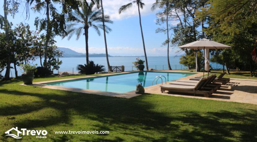 Casa-a-venda-em-Ilhabela-na-costeira-com-pier4