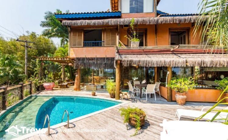 Casa-charmosa-a-venda-em-Ilhabela-em-condomínio-de-luxo