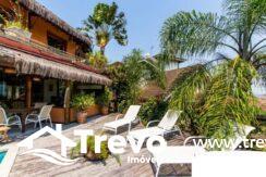 Casa-charmosa-a-venda-em-Ilhabela-em-condomínio-de-luxo1
