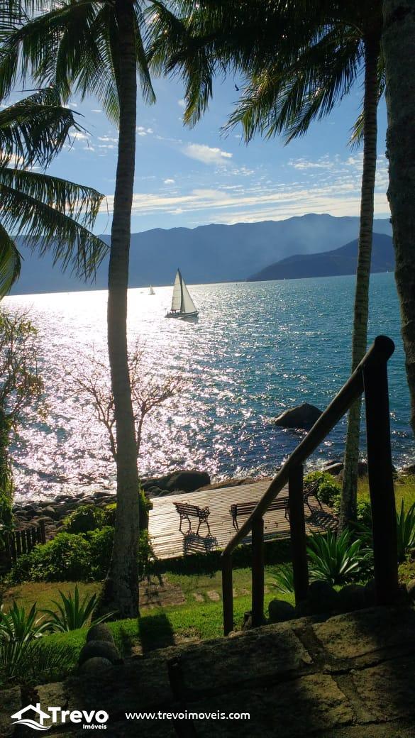 Casa charmosa a venda na costeira em Ilhabela