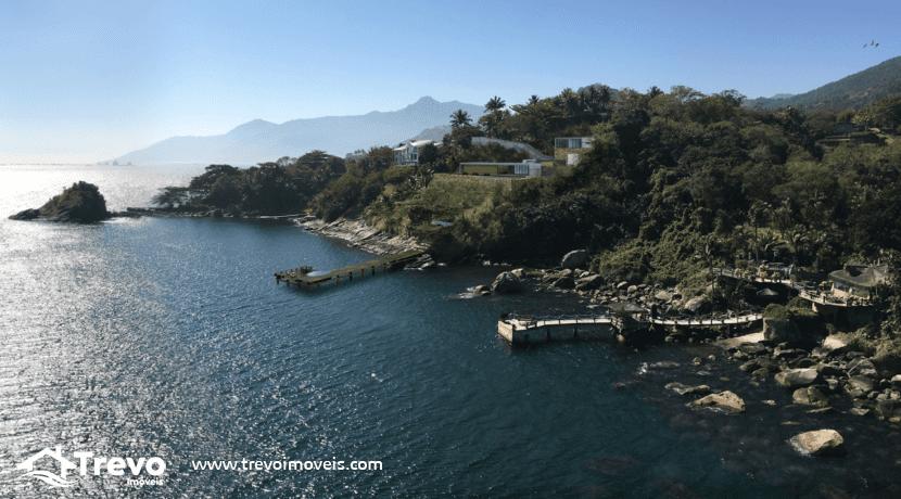 Casa-de-luxo-frente-ao-mar-a-venda-em-Ilhabela1