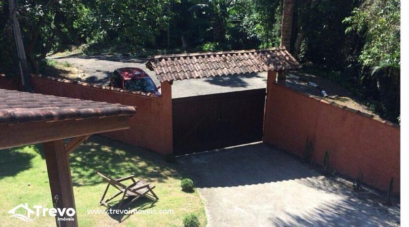 Casa-a-venda-em-condomínio-com-cachoeira 2