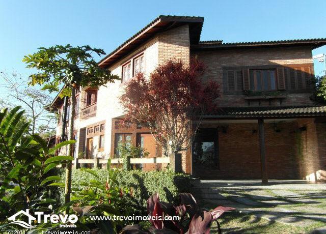 Casa-de-alto-padrão-em-bairro-nobre-em-Ilhabela1