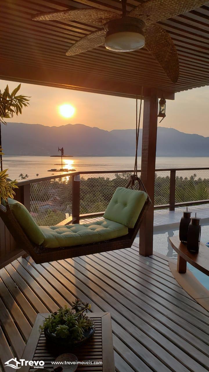 Casa charmosa a venda em Ilhabela com vista para o mar